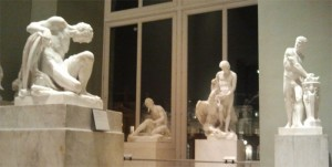 Sculptures-in-the-Louvre